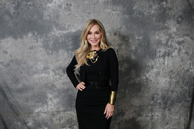 ANASTASIA SOARE