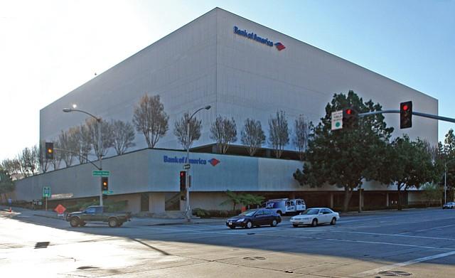 101 S. Marengo Ave.: Six stories, 346,000 square feet, no windows.