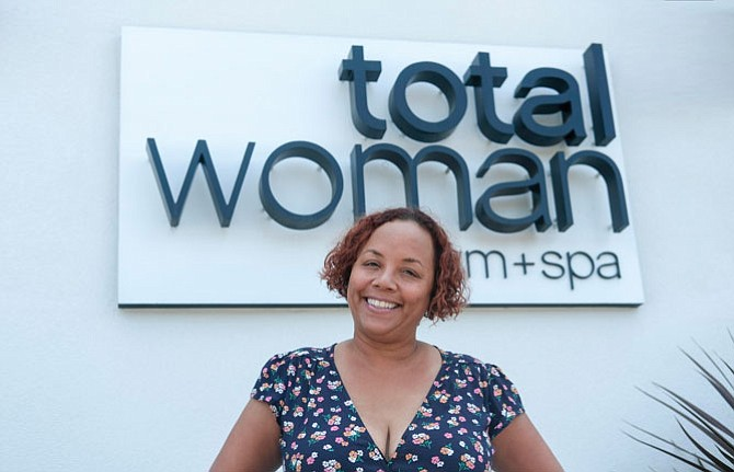 Shauna Robinson signed a 10-year lease at the Baldwin Hills Crenshaw Plaza for her Total Woman Gym & Spa franchise.