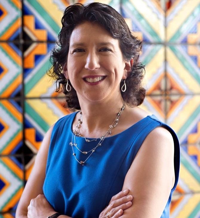 Cecilia Estolano