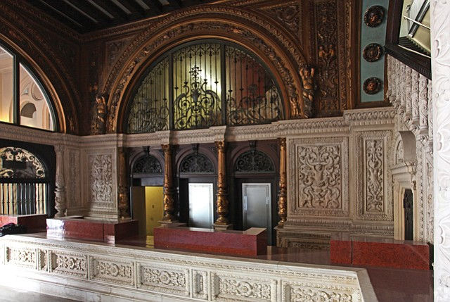 Lobby: Ornate style goes back to the late newspaper magnate William Randolph Hearst.