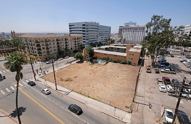 7th & Bixel: Newport Beach-based developer plans 37-story multifamily complex.