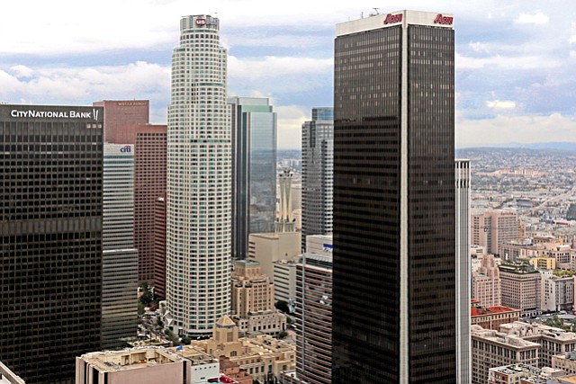 Downtown Digs: Chicago School moving L.A. campus to Aon Center.