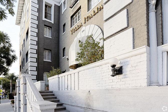 WeHo apartment building, Villa Italia.