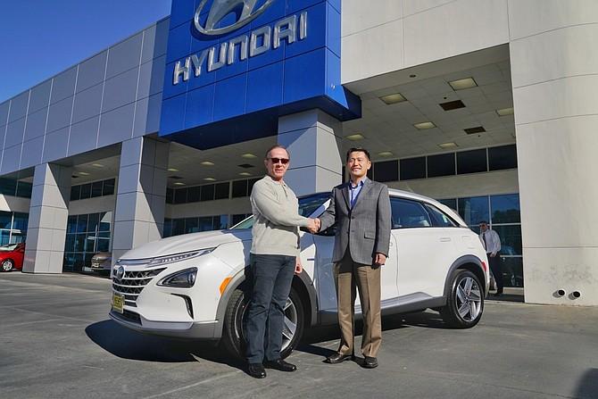 Keyes Hyundai Van Nuys >> Hyundai Sells First Fuel Cell Suv In Van Nuys San Fernando Valley