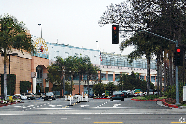 Mall Makeover: Tech giant will take over 584,000 square feet at the former Westside Pavilion.