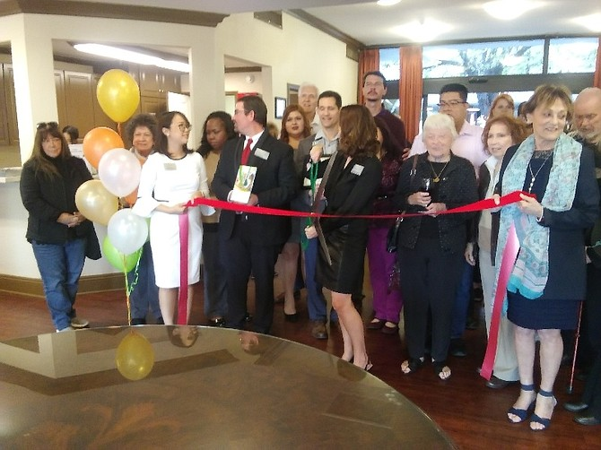 Ribbon-cutting at Fallbrook Glen of West Hills.