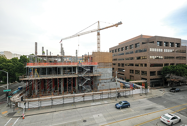 Healthy Build: Kaiser's medical school campus is expected to open this year.