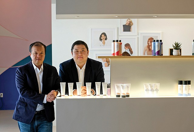 Lustrous Asset: Unicorn Venture Partners principals Jonathan Hung and David Lin (left) at portfolio company eSalon's HQ.