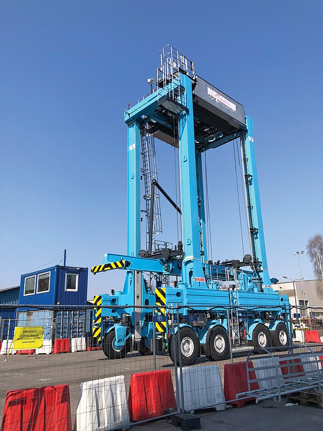 Man vs. Machine: APM Terminals seeks automated cargo-handling equipment.