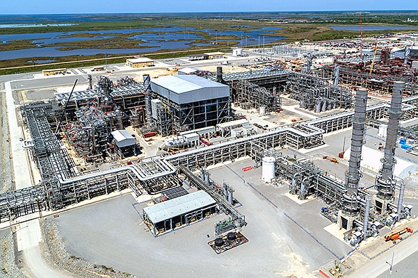 Sempra LNG's $10 billion gas compression train at its Cameron LNG facility in Hackberry, Louisiana. The compression train is set to begin operations in Q2 2019. Cameron LNG is a joint-venture by Sempra LNG & Midstream, Mitsui & Co., Mitsubishi Corp., Total S.A. and NYK Line. Photo courtesy of Sempra Energy
