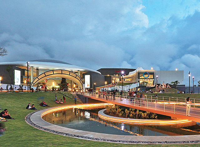 Inspired Design: The Oxígeno center in Costa Rica fits in with the landscape.