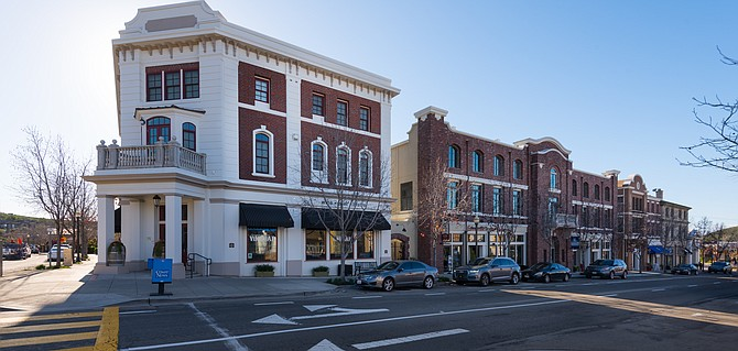 San Elijo Hills Town Center in San Marcos is part of a 3,500 home community. Photo courtesy of Ambient Communities.