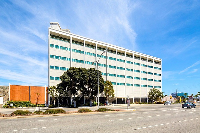 Boeing is leasing this El Segundo space through the end of 2020.