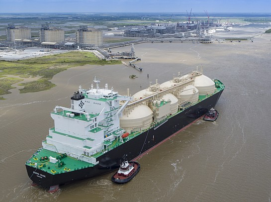 A ship carries the commissioning cargo of liquefied natural gas from Sempra's Cameron facility in May. Photo courtesy of Sempra Energy.