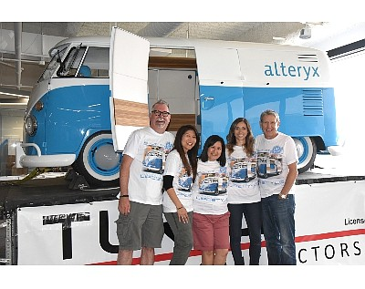 Alteryx bus, workers, Stoecker
