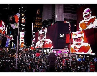 Oakley, Times Square