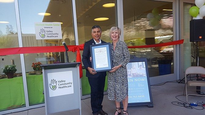 Rep. Tony Cardenas and Paula Wilson, president and CEO of Valley Community Healthcare.