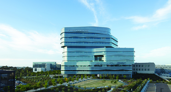 UC San Diego Jacobs Medical Center (above and below) completed in 2016, rated at SPC-5, the highest category of seismic resilience. Photo courtesy of U.C. San Diego.