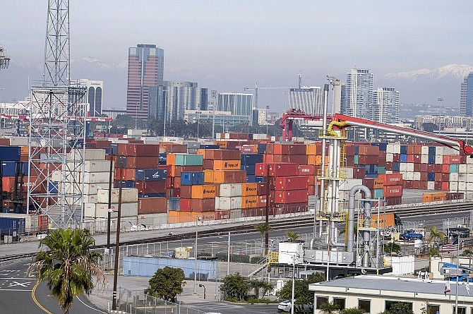 The Middle Harbor terminal project at the Port of Long Beach. (Photo by Ringo Chiu).