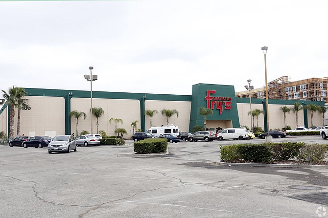 Fry's Electronics site at 6100 Canoga Ave. in Woodland Hills.
