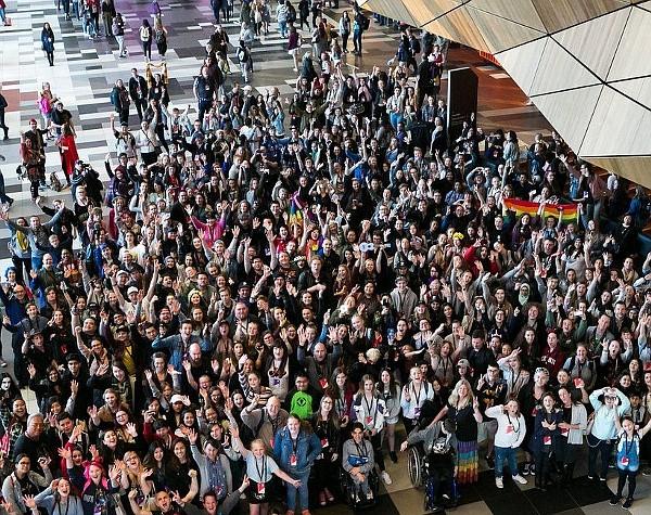 VidCon crowd at ACC (courtesy VidCon Twitter acct)