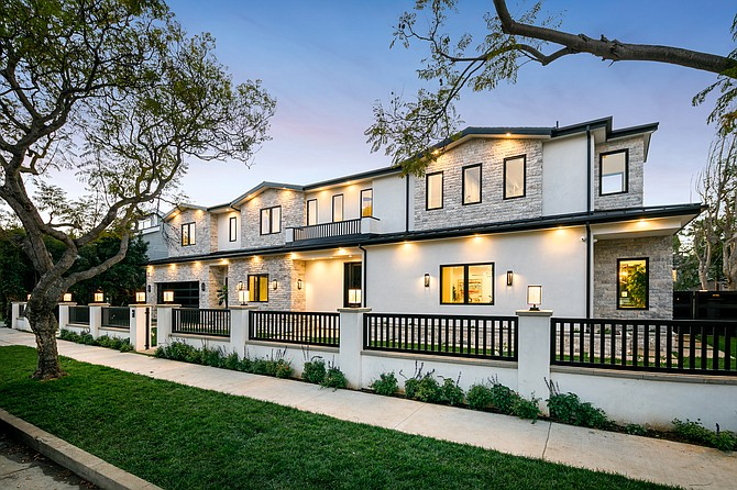 A home Hilton & Hyland's David Kramer and Ziv Gabay are selling at 541 N. Alamar Ave. in Pacific Palisades offers videos and floorplans.