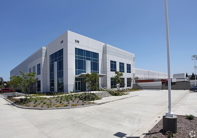 Black Creek buys Gateway Logistics Center.