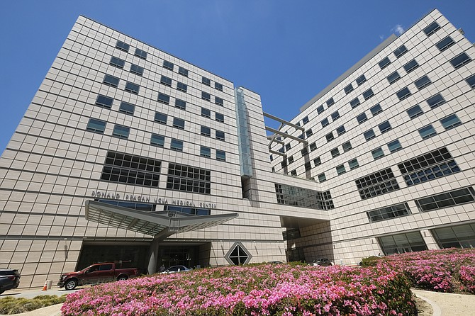UCLA Medical Center rose to No. 4 on U.S. News' hospital rankings.