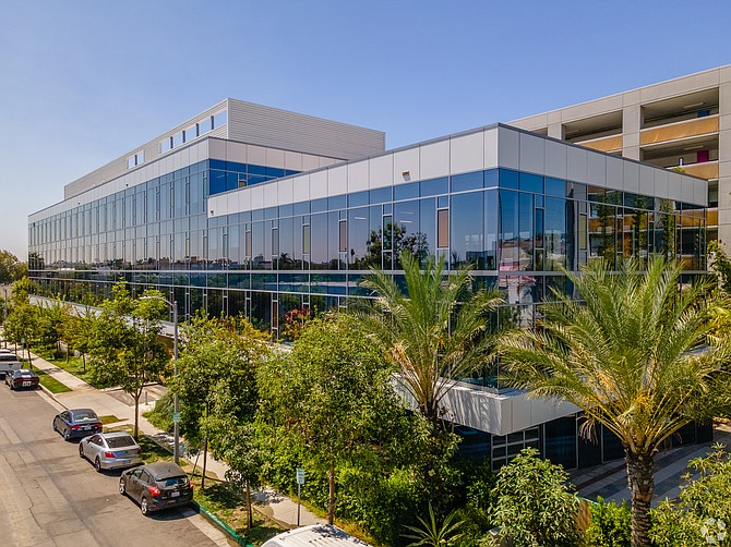 Deluxe Entertainment recently listed a nearly 47,000-square-foot space at Hollywood 959.