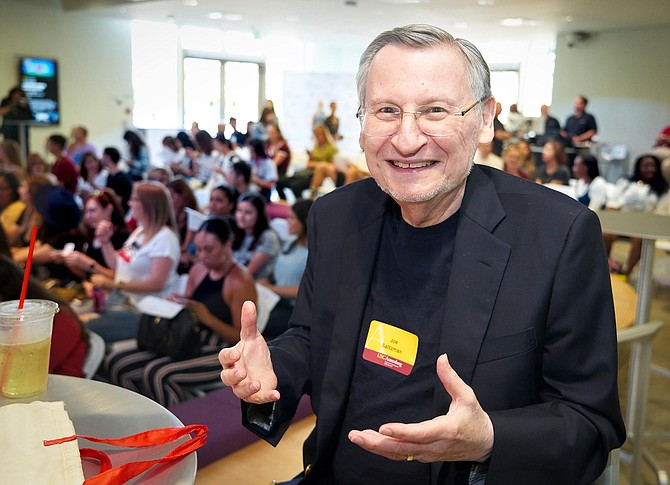 Joe Saltzman, 80, Professor, USC Annenberg School of Journalism and Communications