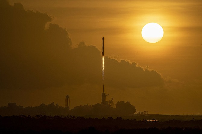 A Falcon 9 rocket carrying 60 Starlink satellites lifted off at 7:29 a.m. Eastern Time from Launch Complex 39A at Kennedy Space Center in Florida on Oct.6.