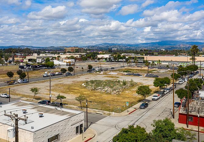 Santa Ana land to get homes