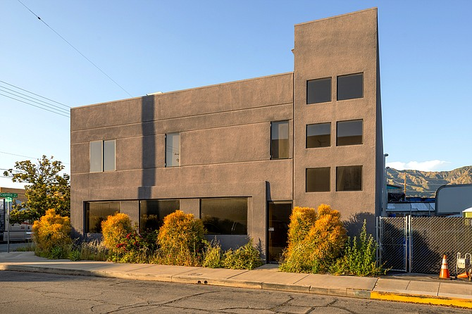 Office building at 120 Cypress Ave. in Burbank.