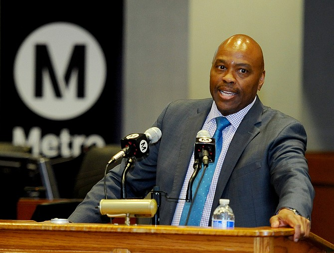 Phillip Washington plans to step down as Metro CEO in May.