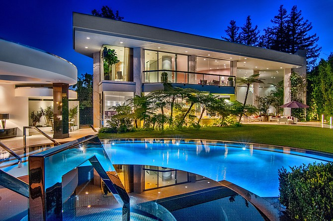 Jade Mills was the listing agent for 1000 Eldin Way in Beverly Hills, which listed for $33 million.