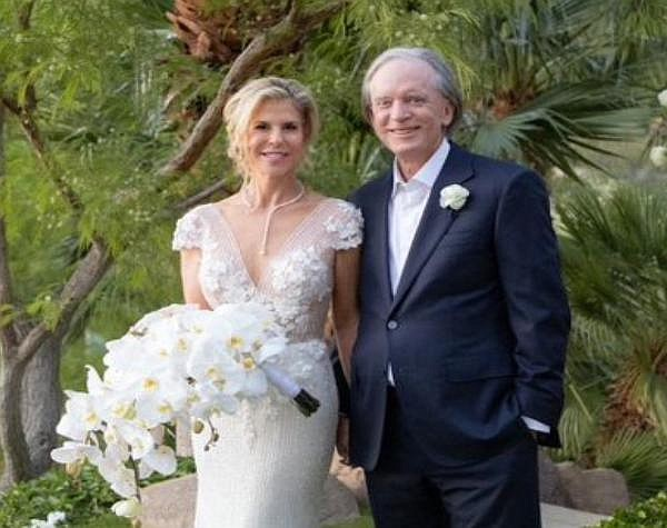Bill Gross and Amy Schwartz tied the knot in April