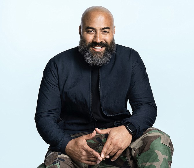 Today at Apple Creative Studios Initiative, a mentorship program in Los Angeles to aid and inspire youths from underrepresented communities, will include mentorship from Apple Music's Global Editorial Head of Hip-Hop and R&B Ebro Darden, among others.