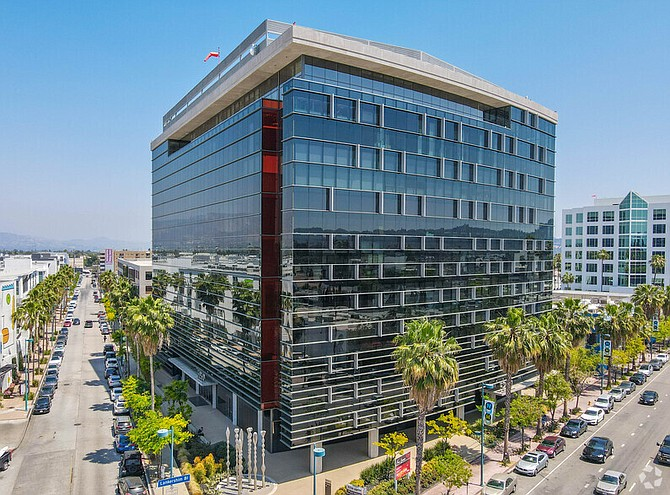 Lankershim Plaza building in North Hollywood